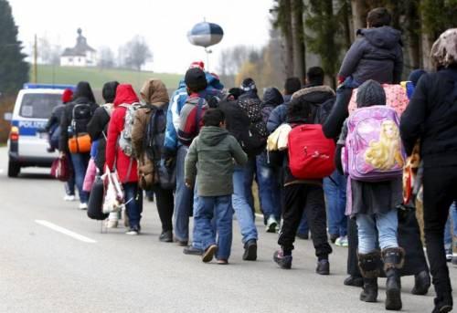 Buonismo finito: i profughi pagano
