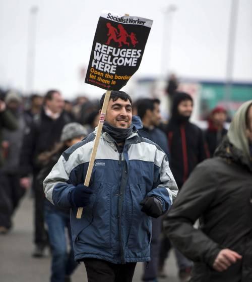 Calais, la rivolta dei migranti 4