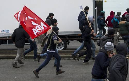 Calais, la rivolta dei migranti 3