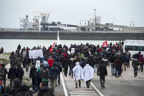 Calais, la rivolta dei migranti 7