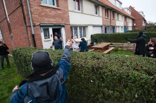 Calais, la rivolta dei migranti 12