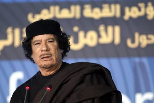 """La rivelazione di Mitterrand: """"Gheddafi gay, mi voleva come regina del deserto"""""""