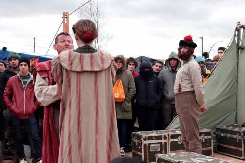 L'Amleto di Shakespeare in scena nella Giungla di Calais 5