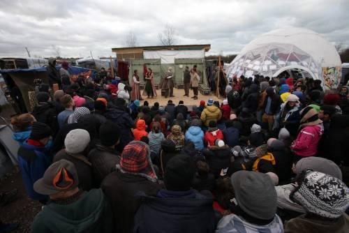 L'Amleto di Shakespeare in scena nella Giungla di Calais 7
