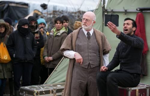 L'Amleto di Shakespeare in scena nella Giungla di Calais 14