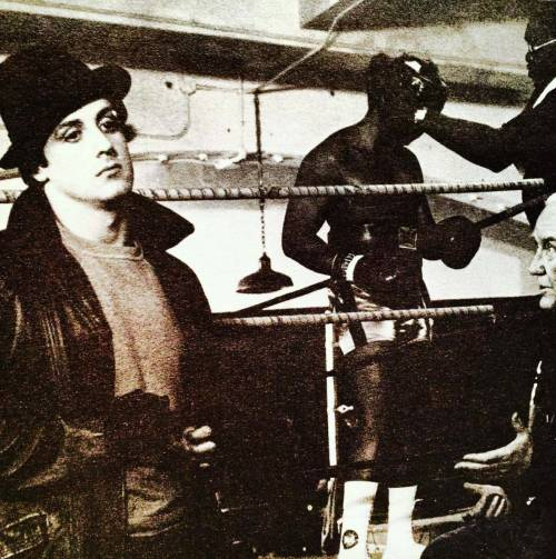 Sylvester Stallone nelle foto di scena di Rocky 16