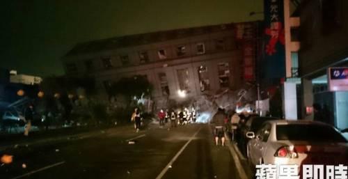 Terremoto a Taiwan, edifici crollati 2