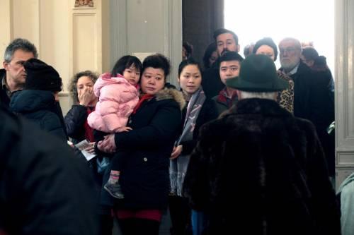 I cinesi in fila per le primarie Pd 1