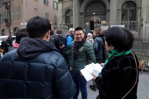 I cinesi in fila per le primarie Pd 3