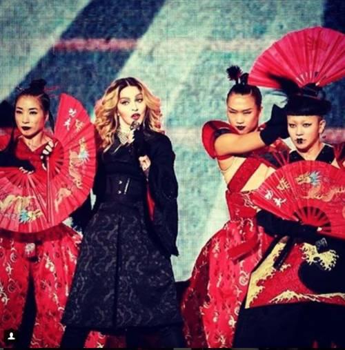 Madonna vs Paola Barale, foto 4
