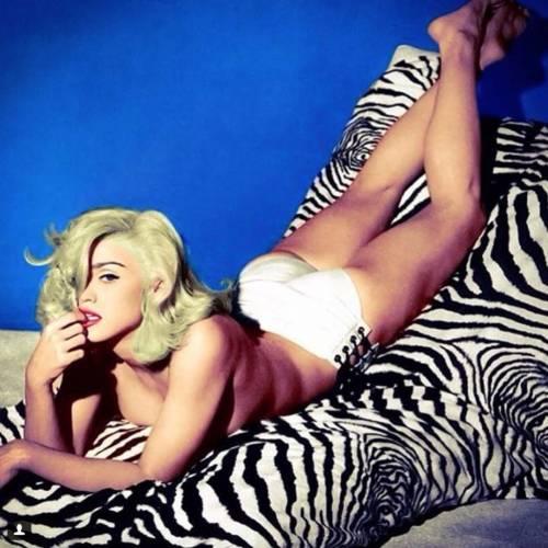 Madonna vs Paola Barale, foto 6
