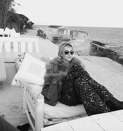 Madonna vs Paola Barale, foto 9