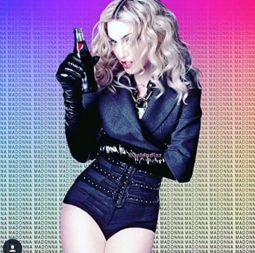 Madonna vs Paola Barale, foto 10