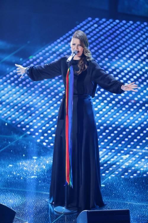 Sanremo 2016: gli abiti della prima serata 6
