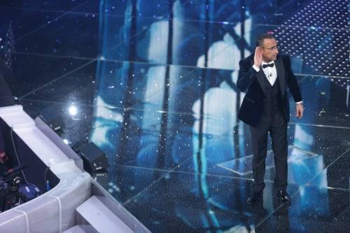 Sanremo 2016: gli abiti della prima serata 4