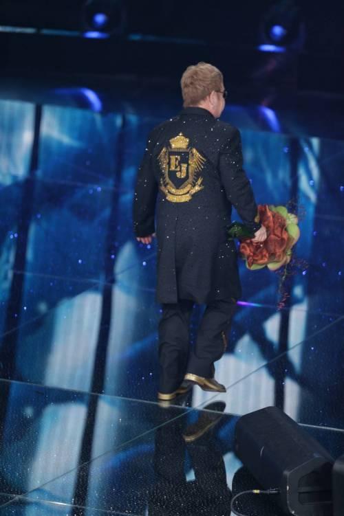 Sanremo 2016: gli abiti della prima serata 14