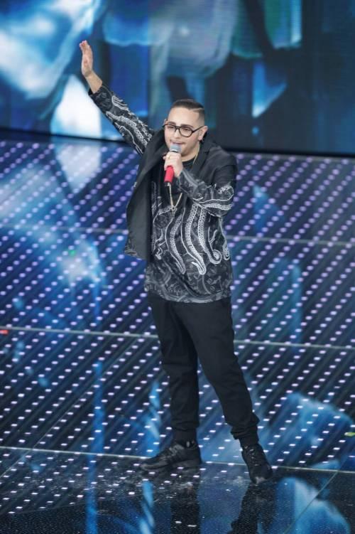 Sanremo 2016: gli abiti della prima serata 17