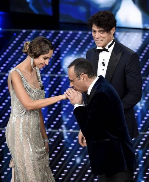 Sanremo 2016: gli abiti della prima serata 20