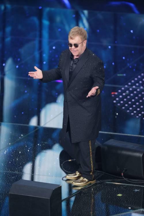 Sanremo 2016: gli abiti della prima serata 2