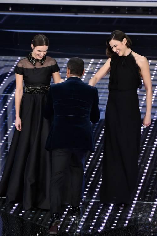 Sanremo 2016: gli abiti della prima serata 22