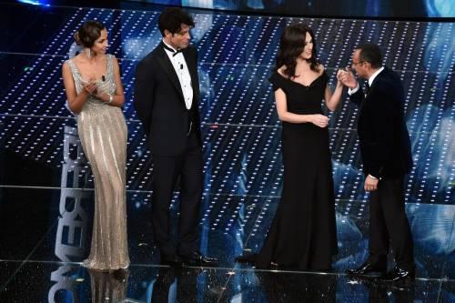 Sanremo 2016: gli abiti della prima serata 28