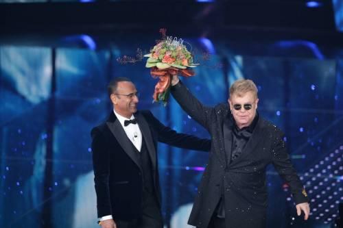 Sanremo 2016: gli abiti della prima serata 30