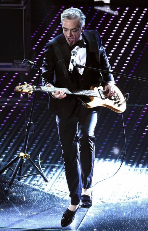Sanremo 2016: gli abiti della prima serata 36