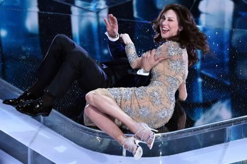 Sanremo 2016: gli abiti della prima serata 39