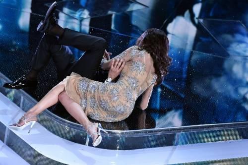 Sanremo 2016: gli abiti della prima serata 38