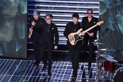 Sanremo 2016: gli abiti della prima serata 45