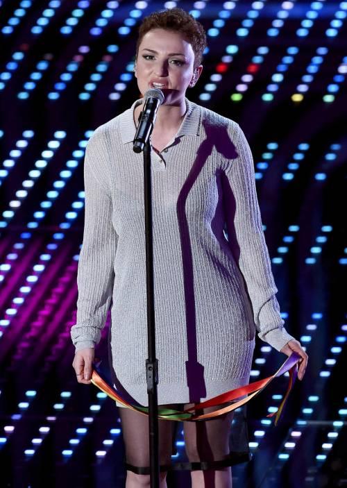 Sanremo 2016: gli abiti della prima serata 46