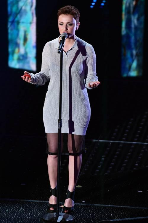 Sanremo 2016: gli abiti della prima serata 47