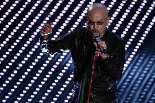 Sanremo 2016: gli abiti della prima serata 50