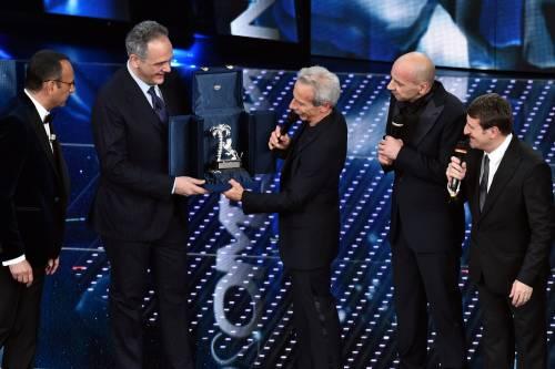 Sanremo 2016: gli abiti della prima serata 49