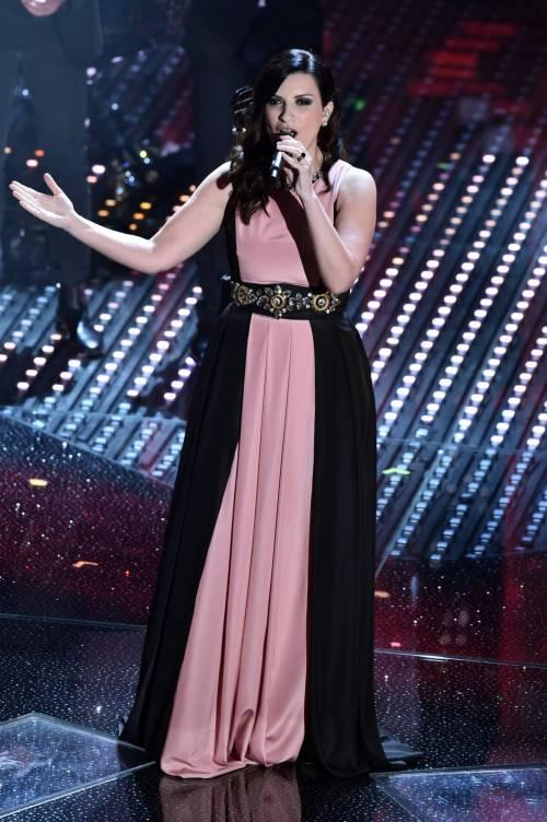 Sanremo 2016: gli abiti della prima serata 55