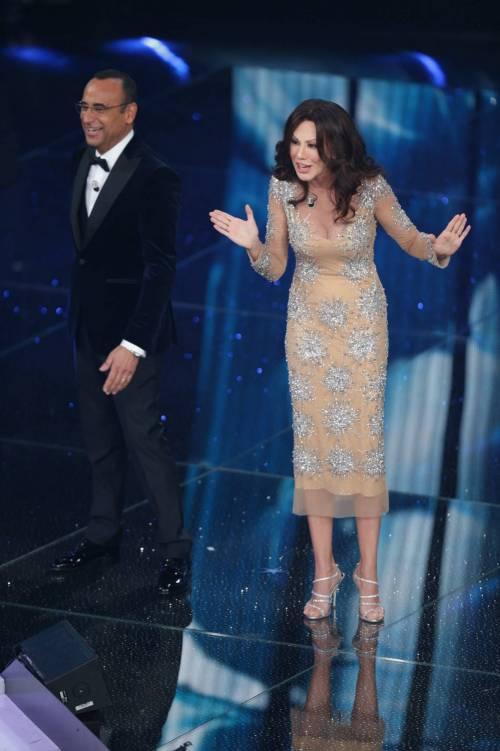 Sanremo 2016: gli abiti della prima serata 59