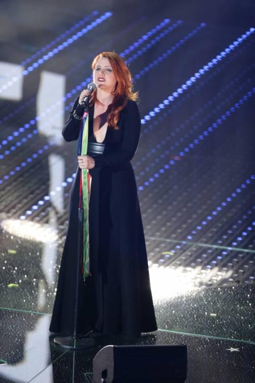 Sanremo 2016: gli abiti della prima serata 62