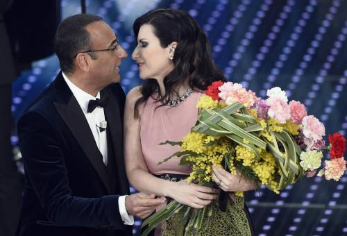 Sanremo 2016: gli abiti della prima serata 63