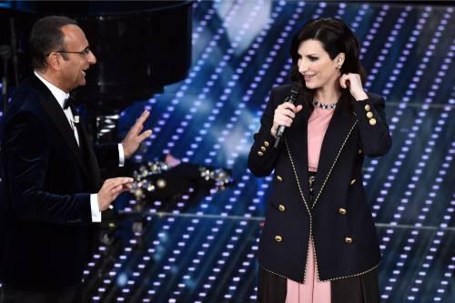 Sanremo 2016: gli abiti della prima serata 68