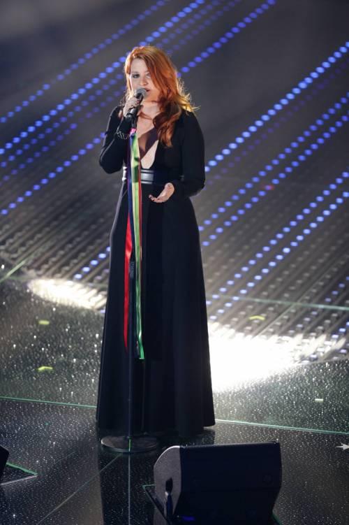 Sanremo 2016: gli abiti della prima serata 71