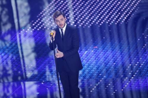 Sanremo 2016: gli abiti della prima serata 74