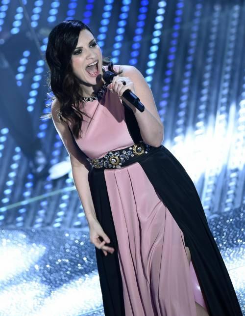 Sanremo 2016: gli abiti della prima serata 80