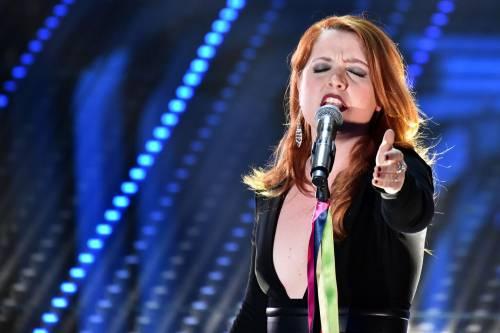 Sanremo 2016: gli abiti della prima serata 83