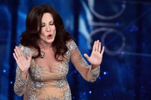 Sanremo 2016: gli abiti della prima serata 85