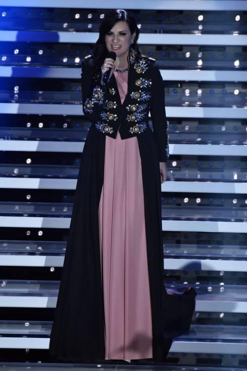 Sanremo 2016: gli abiti della prima serata 84