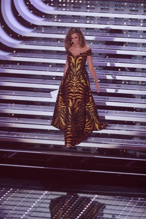 Sanremo 2016: gli abiti della prima serata 86