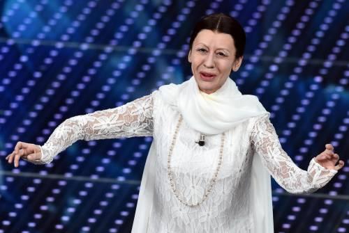 Virginia Raffaele imita Carla Fracci tra eleganza e... parolaccia
