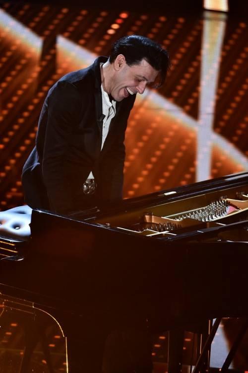 Ezio Bosso, il pianista che ha commosso Sanremo 2016. Le foto 7
