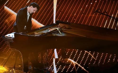 Ezio Bosso, il pianista che ha commosso Sanremo 2016. Le foto 10