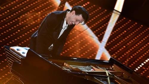 Ezio Bosso, il pianista che ha commosso Sanremo 2016. Le foto 13